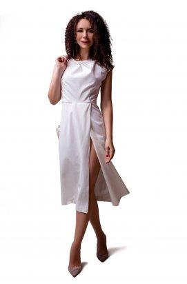 Платье прилегающего силуэта с разрезом