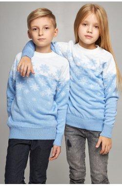 Новогодние вязаные детские свитера для двоих Снежинки голубые