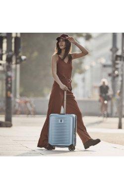 Чемодан Victorinox Travel AIROX/Light Blue S Маленький Vt610922